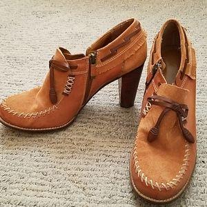 B. Makowsky Tan Leather(suede) Shoes- 9.5